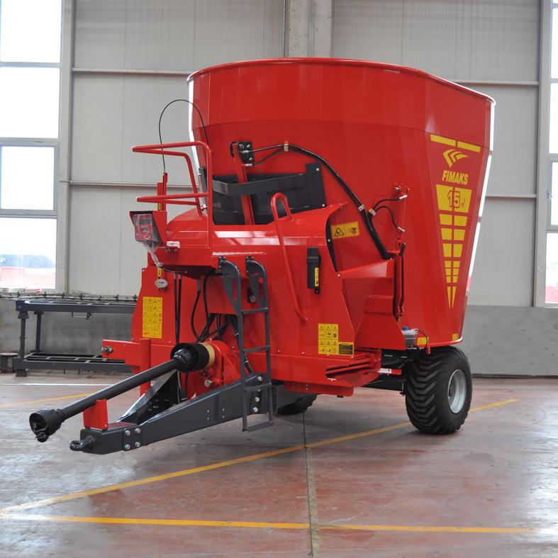 15-metreküp-çift-tarafa-boşaltmalı-yem-karma-makinesi